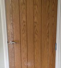 Interior door in the contemporary style