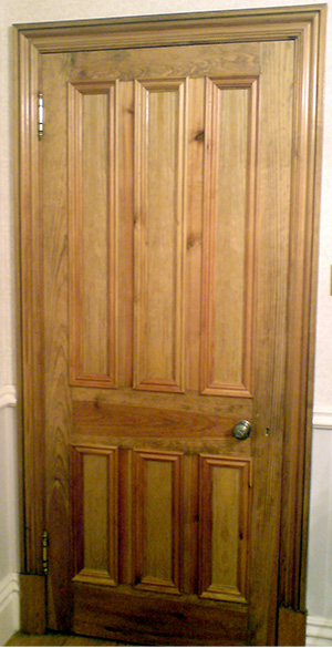 Victorian interior door with 6-panel design